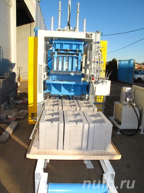 Стационарный вибропресс по производству блоков SUMAB Е-300,